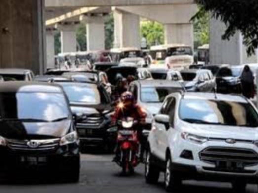 Pengumuman, Pemerintah Akan Setop Penjualan Motor dan Mobil yang Pakai BBM