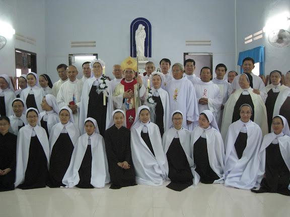 Hình ảnh tuyên khấn lần đầu tại Đan viện Carmel Nha Trang