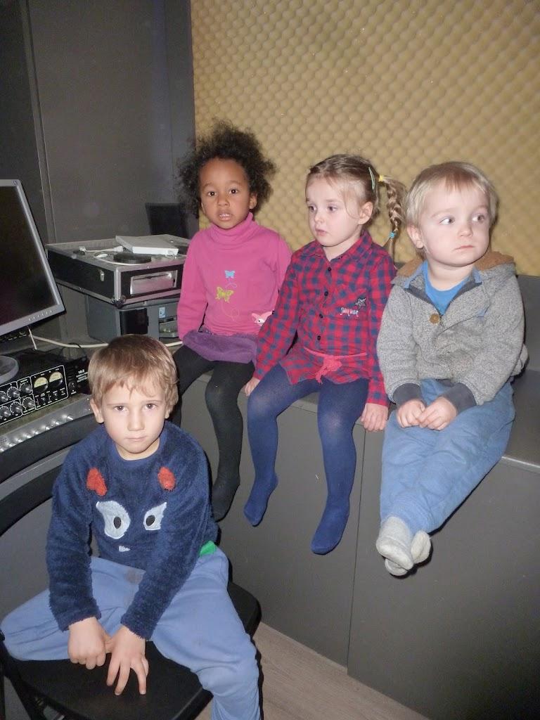 Leefgroep 1 op bezoek in een muziekkamer - P1080942.JPG