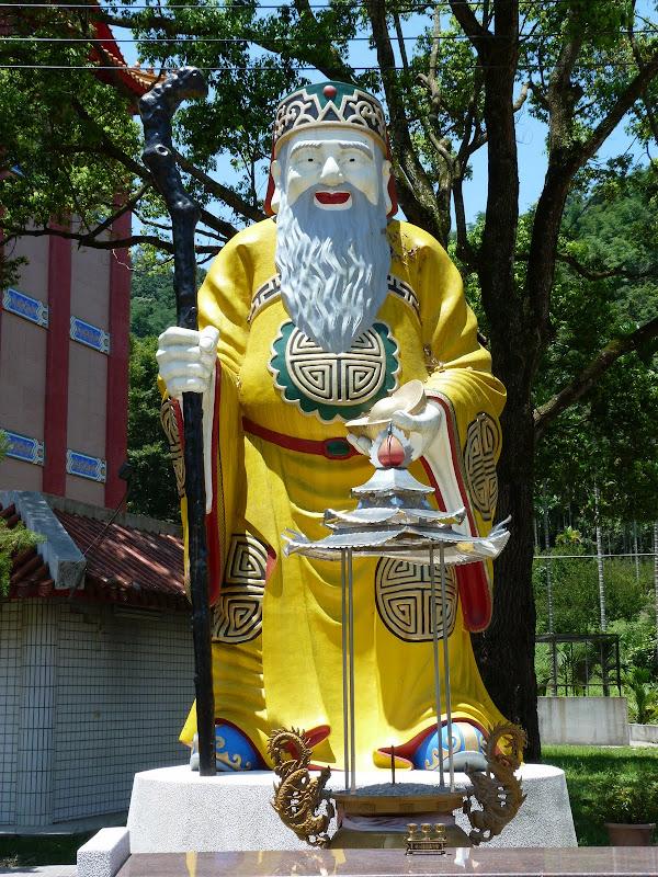 Puli. Divers et Golden Buddha.J 12 - P1170463.JPG