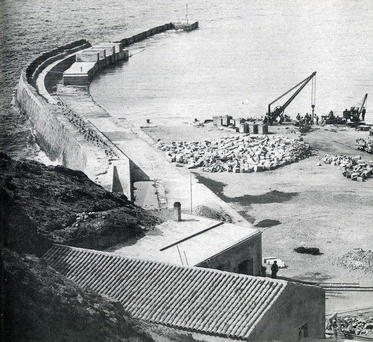 Obras de construcción del muelle. Años 1907-1908.JPG