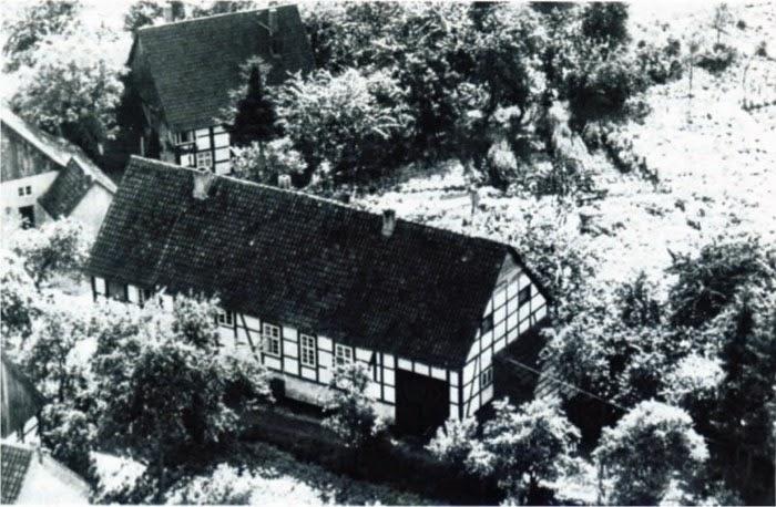 Die alte Schule (von 1703) in Kirchheide.