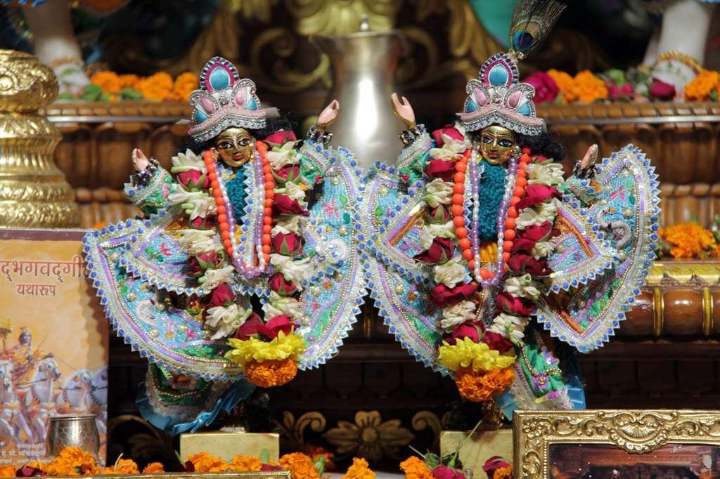 ISKCON Delhi Deity Darshan 17 Dec 2015 (3)