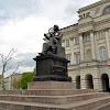 04-05-2013 | Warszawa | ... słońce, ruszył Ziemie ...