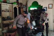 Aksi Kemanusiaan Brimob Bone Bantu mus Kebakaran di Kecamatan Ulaweng
