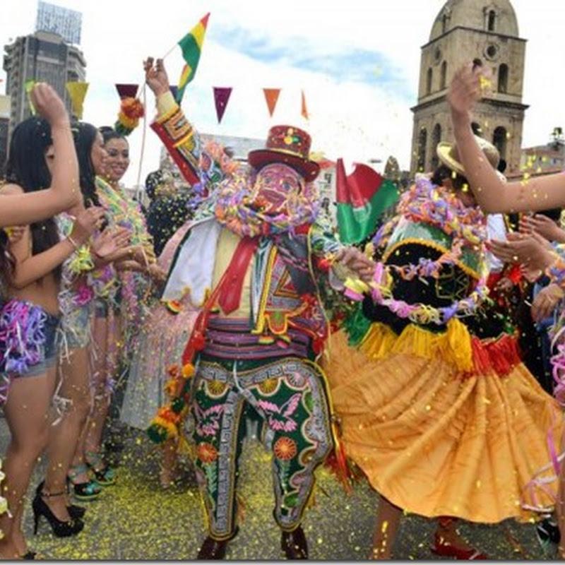 El Ch'uta y sus cholitas dieron bienvenida al Carnaval Paceño