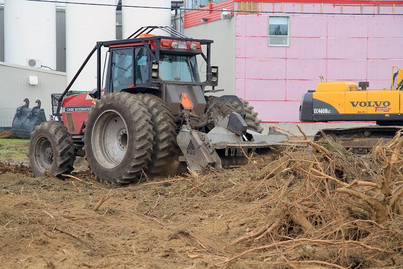 Aménagement Terrain industriel - broyage-pour-amenagement-terrain-industriel-1.jpg