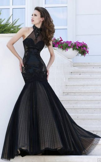 Prom Dress Ideas That Would Make You Stand Out Halter Neck Lace Embellished Crystal Detailling Mermaid Black Designer Prom Dress