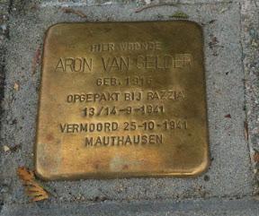 Aron van Gelder - Stolperstein Enschede. Geboren 1916. Opgepakt bij Razzia op 13/14 september 1941. http://www.secondworldwar.nl/enschede