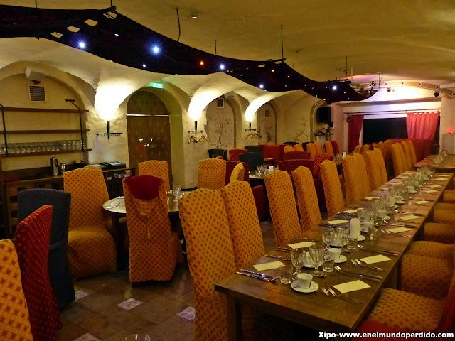 restaurante-medieval-tallin.JPG