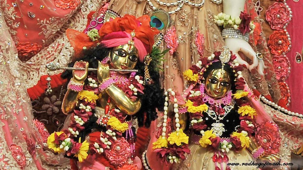 ISKCON Chowpatty Deity Darshan 21 Dec 2015 (13)