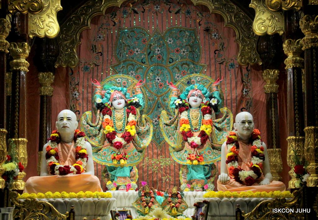 ISKCON Juhu Sringar Deity Darshan on 19th Jan 2017 (37)