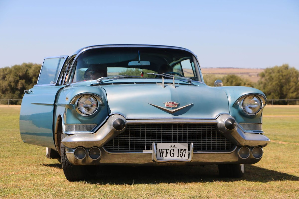 Cadillac (18).jpg