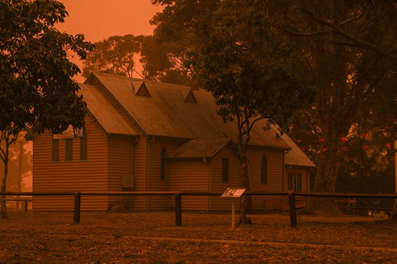 huskisson-dust-storm--church-2009-rob-slater