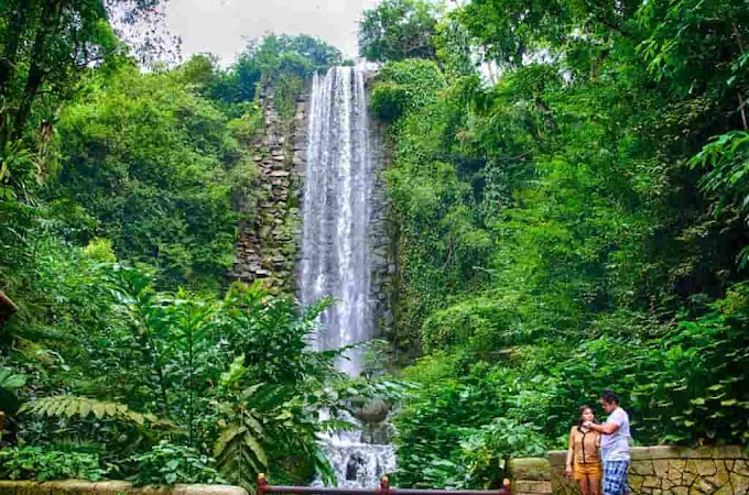 झरने पर निबंध 600 शब्द - Essay on Waterfall in Hindi