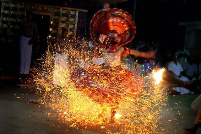 Kathivanoor Veeran Theyyam- കതിവനൂർ വീരൻ തെയ്യം