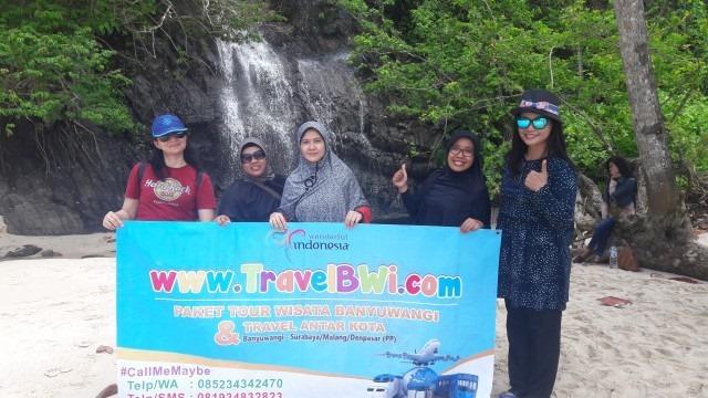 Foto Paket Tour Wisata Banyuwangi 1h1m - Dian Malang - Air Terjun Musiman Teluk Hijau Green Bay