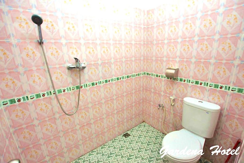 Gardena Bathroom