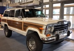 084 Jeep Grand Wagoneer
