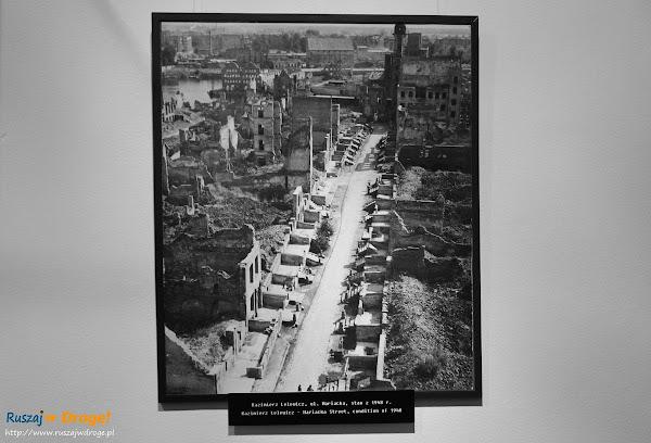 Ratusz Głównego Miasta Gdańska - Gdańsk zbombardowany