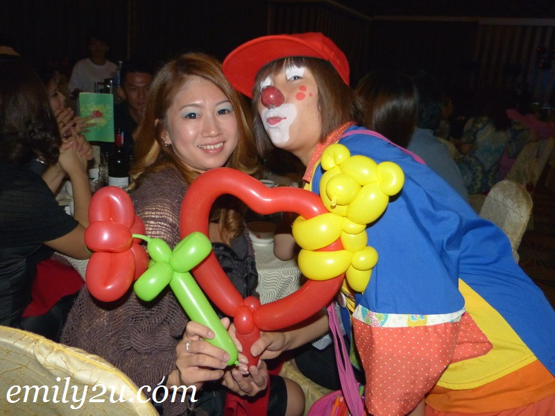 Clown Walkabout & Balloon Sculpting