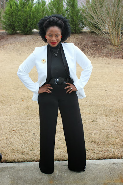 7924ec12e I thrifted this black and white blazer from Goodwill in Marietta the first  week it opened a few months ago. Check out how I wore it.