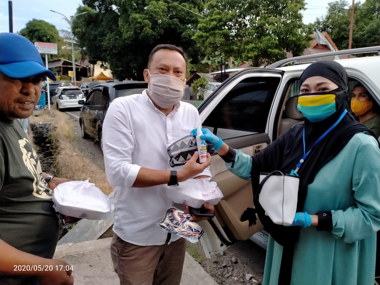 Andi Wahda Adam Anggota DPRD Soppeng Laksanakan Kegiatan Amal