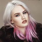 Coloração do cabelo cinzento bonito com pontas rosa.jpg