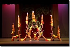 Peking Acrobats 6_Photo by Tom Meinhold