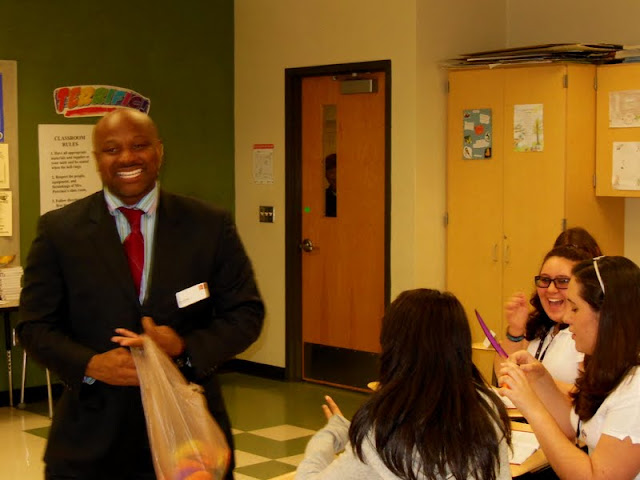 Wells Fargo JA-in-a-day at Cypress Palm Middle - DSCN0078.JPG