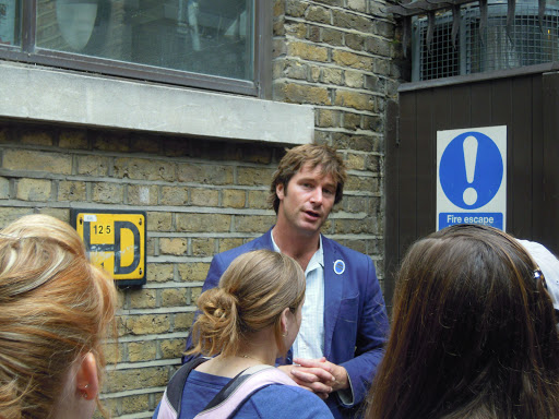 tour guide, Jack the Ripper walking tour, one of the best in London