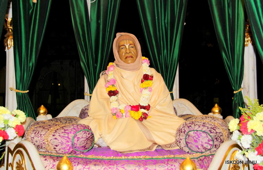 ISKCON Juhu Mangal Deity Darshan on 19th Jan 2017 (2)