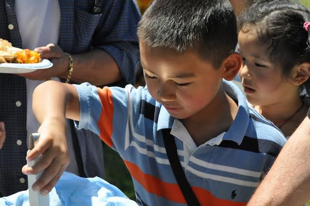 TAW celebrating H.H the Dalai Lama Bday at Magnuson Park 2011 - Trungkar--Magnuson%25252520park%25252520180.JPG
