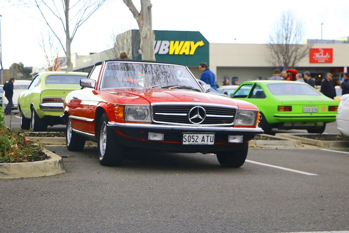 Mercedes 380SL (01).jpg