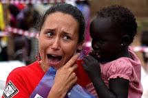 Martina Voháňková při práci v Jižním Súdánu. (Foto: Jan Novák, ČvT)