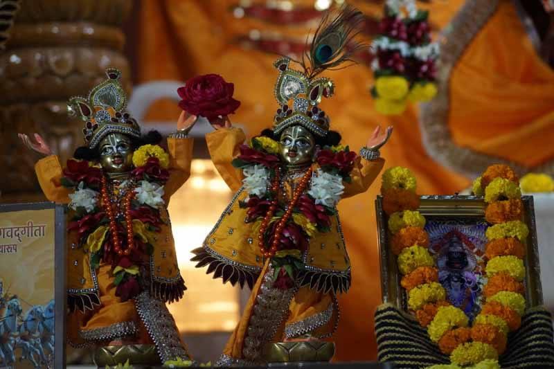 ISKCON Noida Deity Darshan 18 Dec 2015 (3)