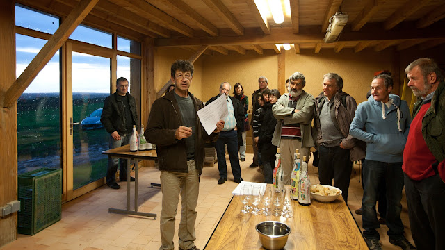 Dégustation des chardonnay et chenin 2011. guimbelot.com - 2012%2B11%2B10%2BGuimbelot%2BHenry%2BJammet%2Bd%25C3%25A9gustation%2Bdes%2Bchardonnay%2Bet%2Bchenin%2B2011%2B100.jpg