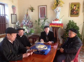 Hình ảnh Đức Cha Giuse Nguyễn Văn Yến về thăm và chúc tết giáo phận Phát Diệm