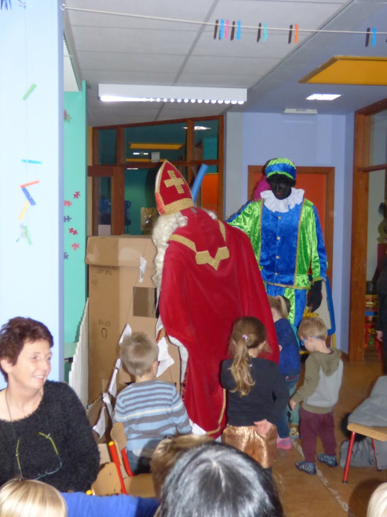 Sinterklaas op bezoek - P1060500.JPG