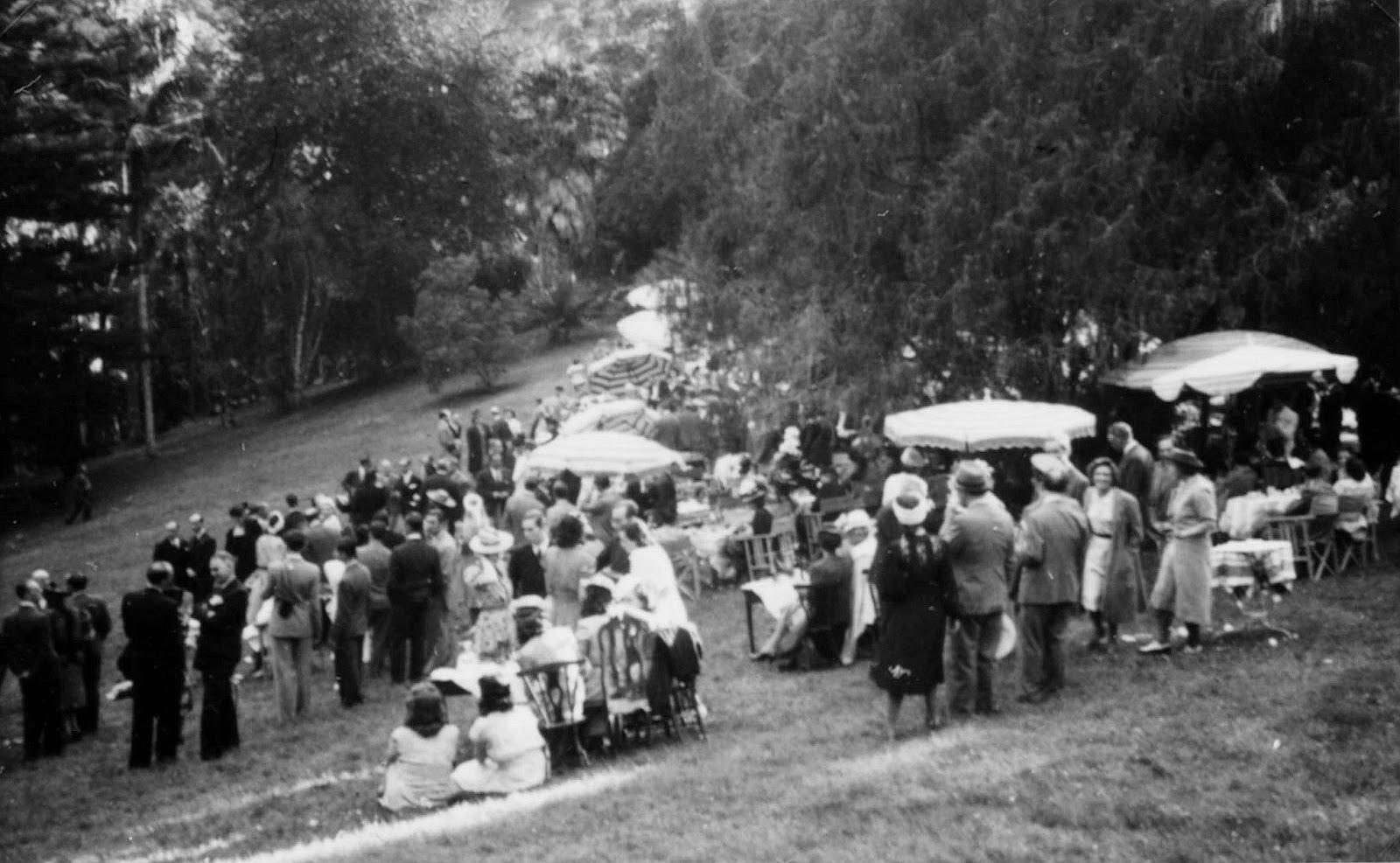 [1940-Garden-Party-julho31]