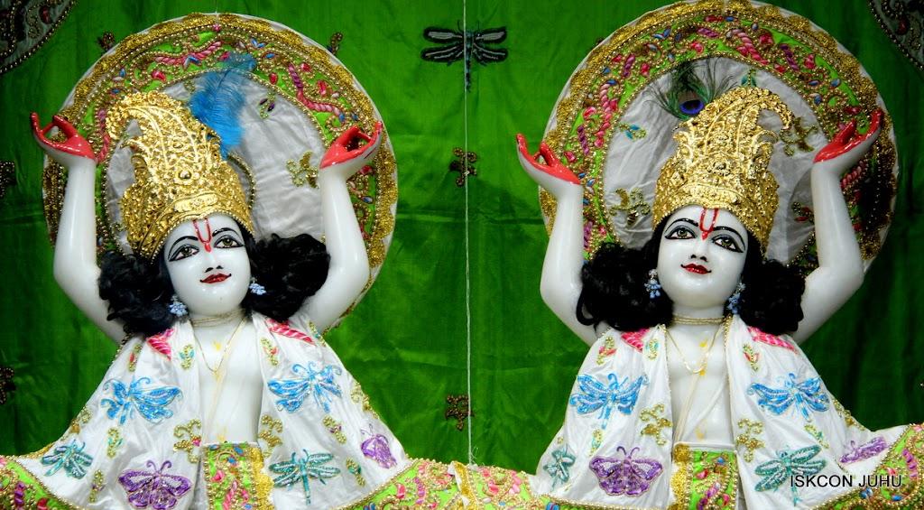 ISKCON Juhu Mangal Deiy Darshan 10 Apr 16 (35)