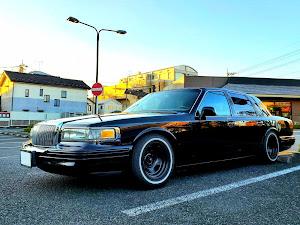 タウンカー  97年式 のカスタム事例画像 97 Lincoln  Town Carさんの2019年12月09日12:58の投稿