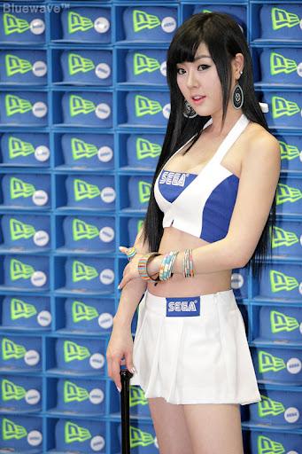 """Hwang Mi Hee khoe dáng """"xì tin"""" tại Gstar 2011 1"""
