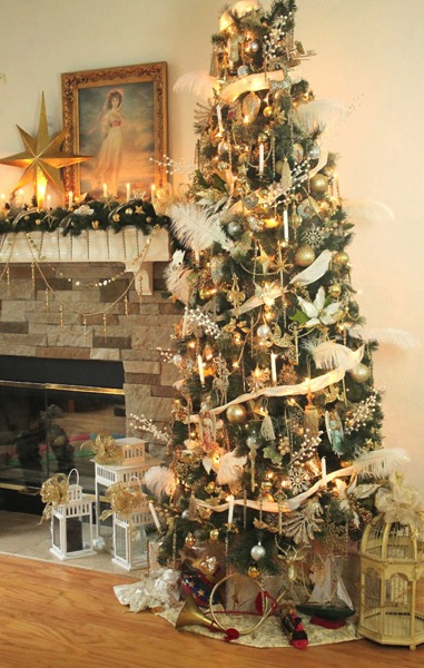 Gold victorian extravagant Christmas Tree