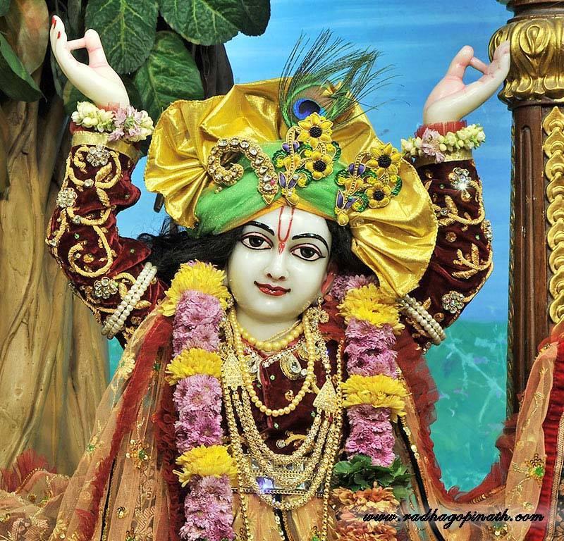ISKCON Chowpatty Deity Darshan 22 Dec 2015 (14)