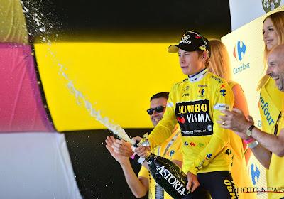 Vingegaard wint rit op Alpe d'Huez en houdt Teunissen zo nipt van de eindzege in eCompetition Jumbo-Visma
