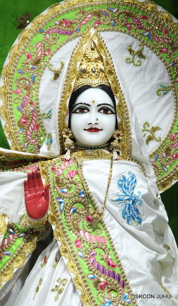 ISKCON Juhu Mangal Deiy Darshan 10 Apr 16 (13)