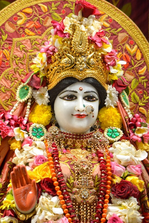 ISKCON Juhu Deity Darshan 28 Mar 2016  (7)