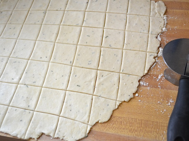 cut crackers