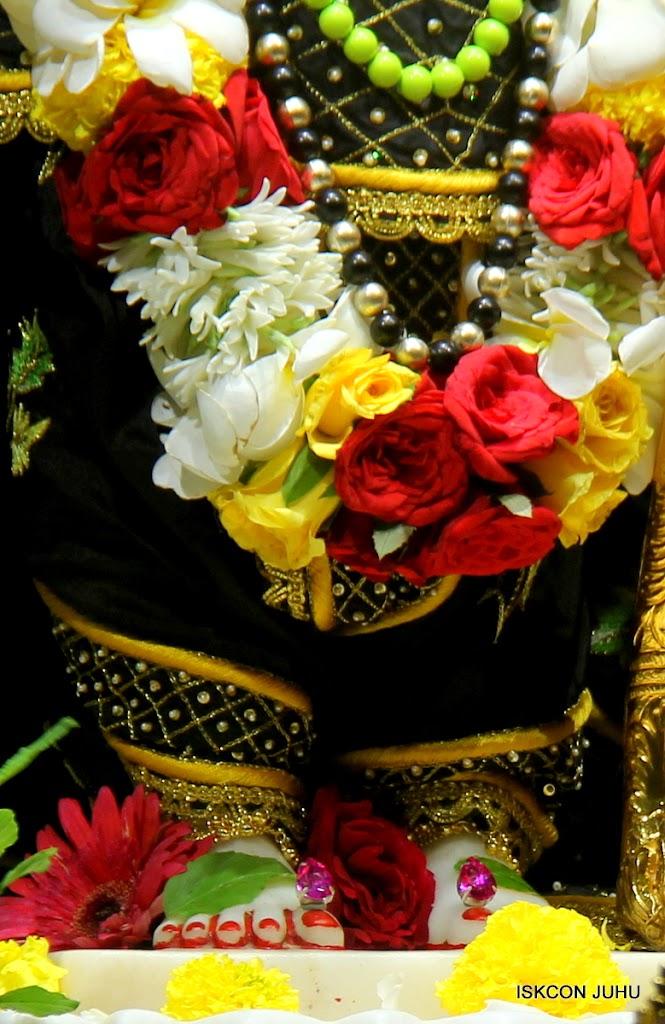 ISKCON Juhu Sringar Deity Darshan on 2nd July 2016 (33)